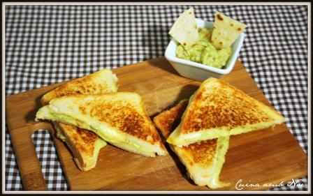 Sandwich queso y guacamole 2
